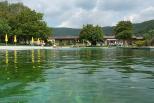 Piscine écologique de la commune de Beringen en Suisse